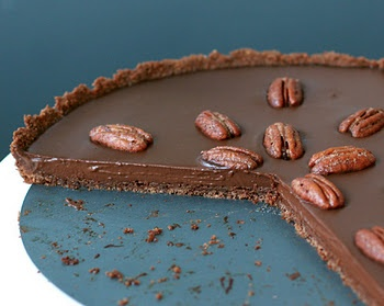 Mexican Chocolate Tart with Cinnamon Spiced Pecans, via Love and Olive ...
