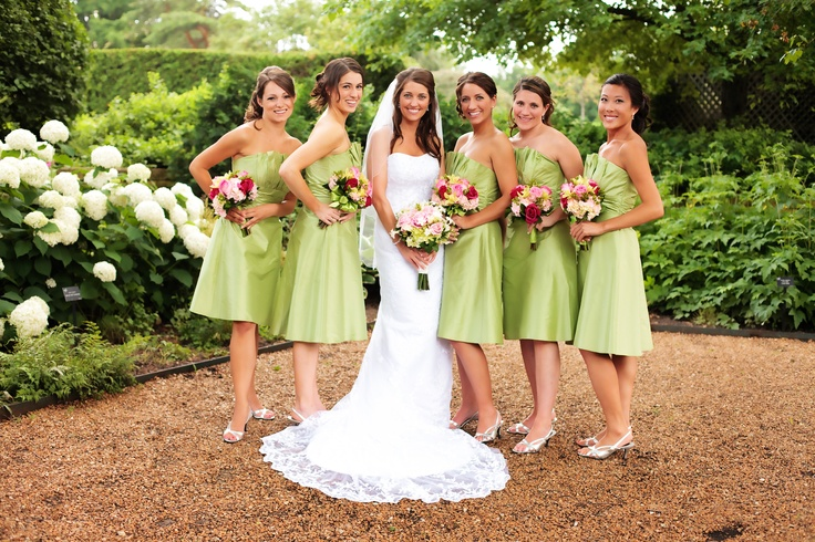 Beautiful Bride and her bridesmaids in the Bur Oak Garden. By Modern Images