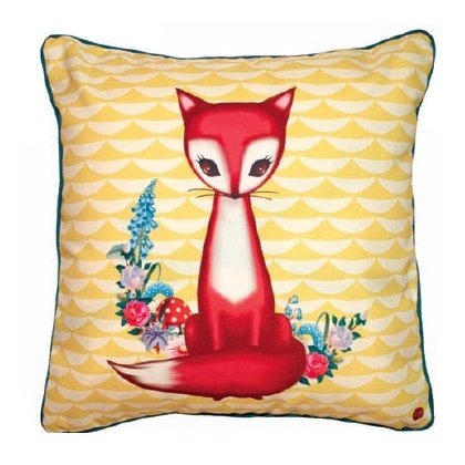 Desperately wanting this sweet fox cushion by Dumpling Dynasty.  Featured on loversnotliars.blogspot.com
