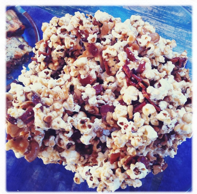 Bacon cashew caramel corn | Kid Birthday Ideas | Pinterest
