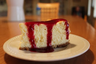 EAt iT uP: (Light) New York Cheesecake www.eatitupfood.blogspot.com