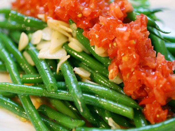 Crisp Haricots Verts Salad with Fresh Tomatoes and Garlic via Serious ...