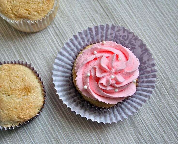 Angel food cupcakes | Recipes (Baking) | Pinterest