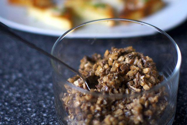 creamed mushrooms on toast, Smitten Kitchen (Party food!)