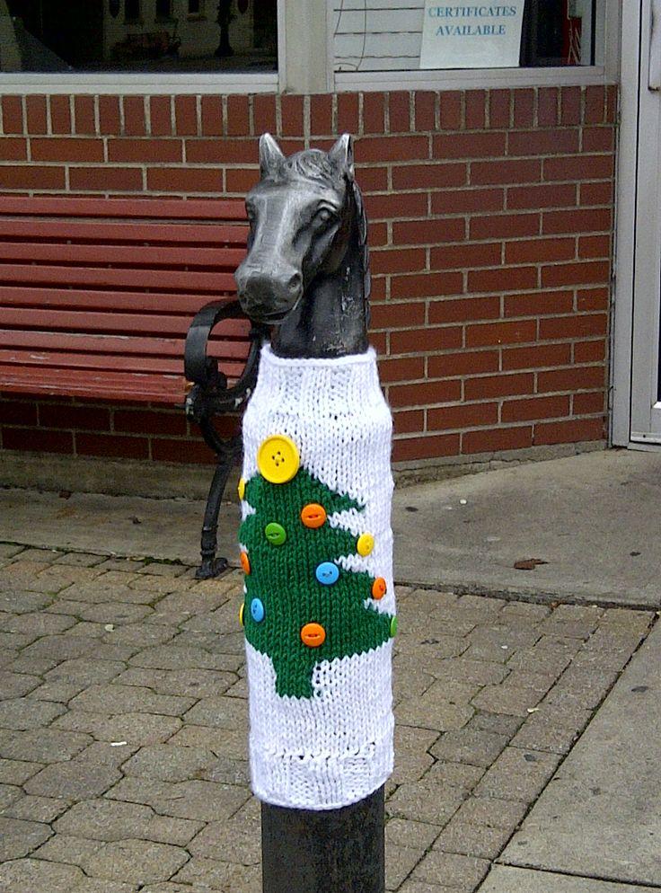 Christmas yarnbomb