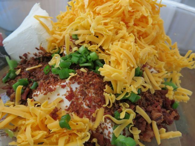 Loaded Baked Potato Chip Dip (ok, so this is far from being on my ...