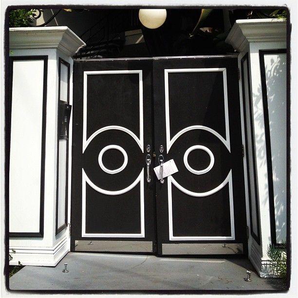 Open up a door dragon trading flight rising for Golden rule garage door
