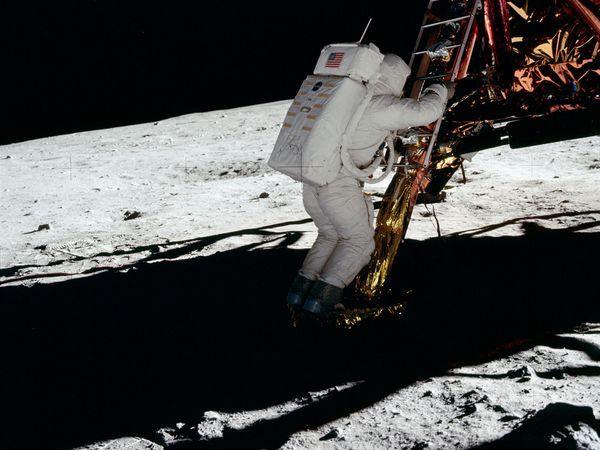 nasa first moon landing fake - photo #3
