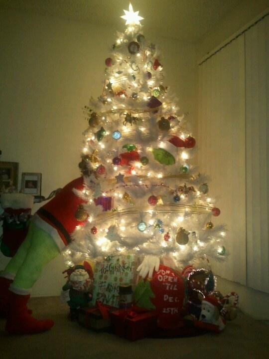 GRINCH STEALING CHRISTMAS | Christmas | Pinterest