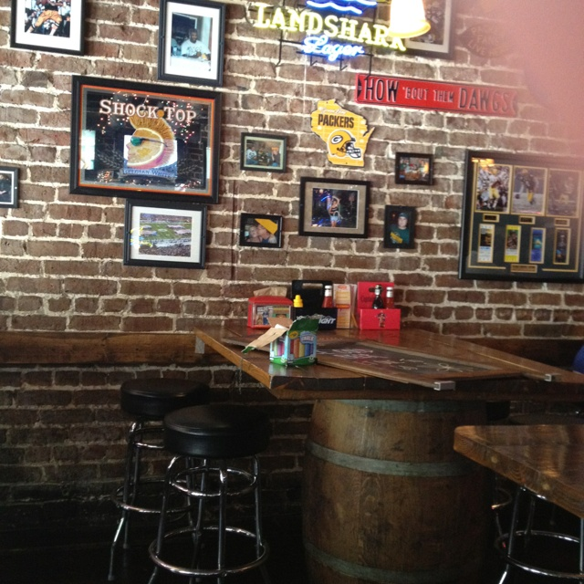 Cool Bar Decor Luv The Tables Taproom Ideas Pinterest