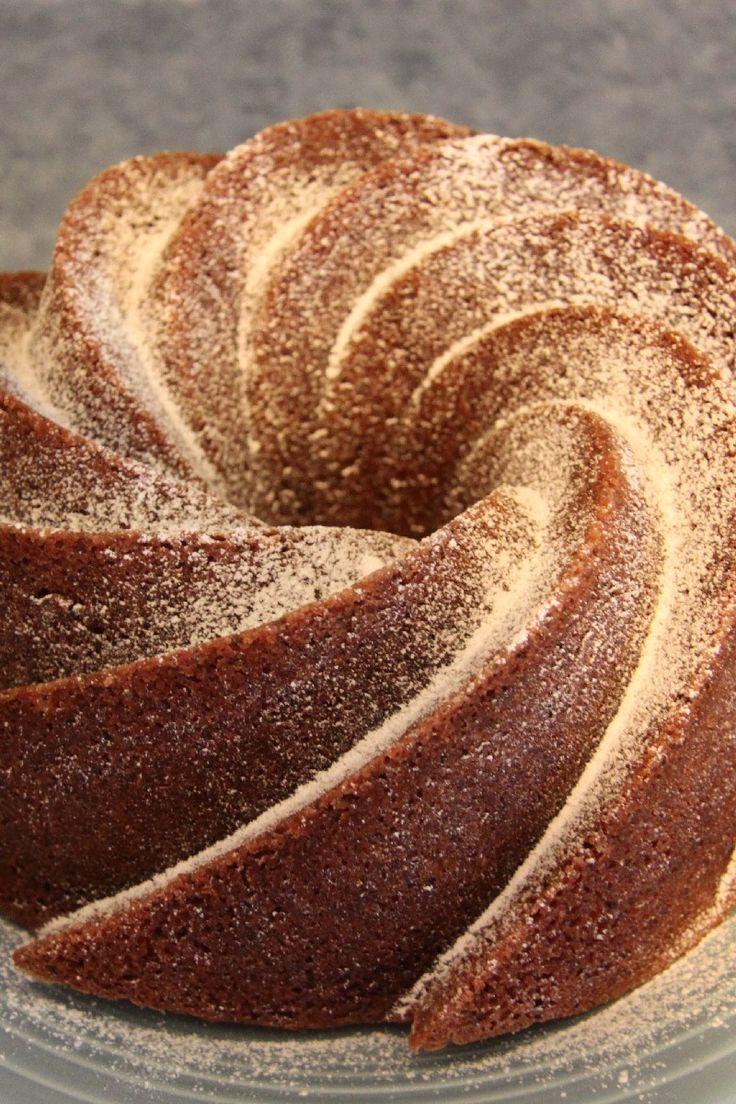 Irish Cream Bundt Cake Recipe Using Cake Mix & Instant Pudding, Pecans
