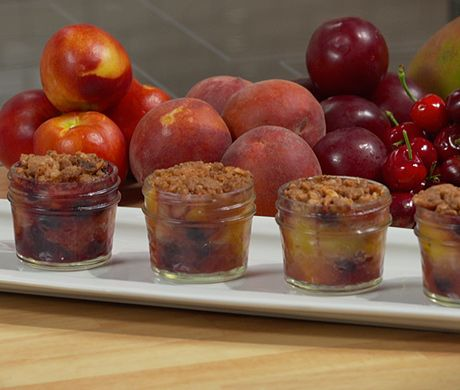 Fruit Crisp~Another use for 4 oz jelly jars if you don't have ramekins ...