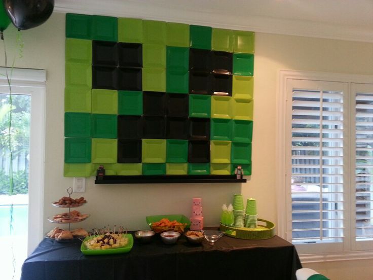 Minecraft party decorations | Party | Pinterest