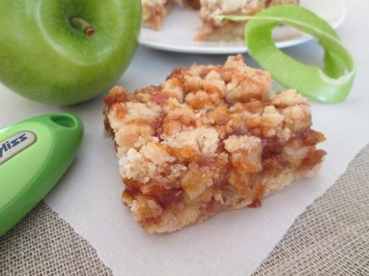 Salted Caramel Apple Crumb Bars #ZylissUSA
