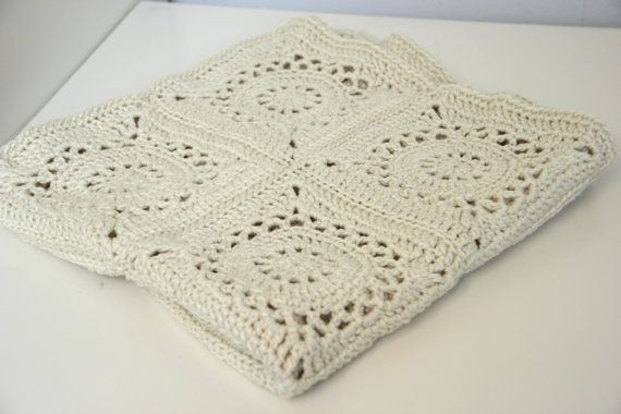 100% merino wool (color: natural), 65 x 65 cm, flower pattern, crochet ...