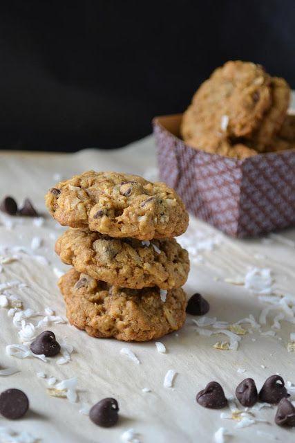 Coconut & Chocolate Chip Oatmeal Cookies | Mmm food | Pinterest