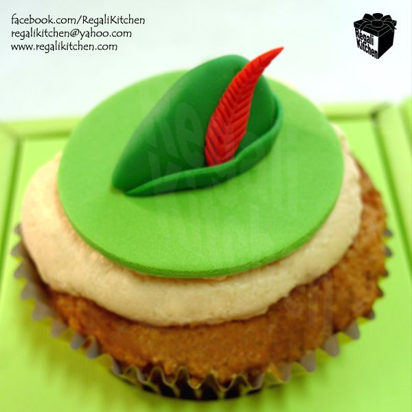 Peter-Pan-Hat-Cupcake_Birthday.jpg (600×600)
