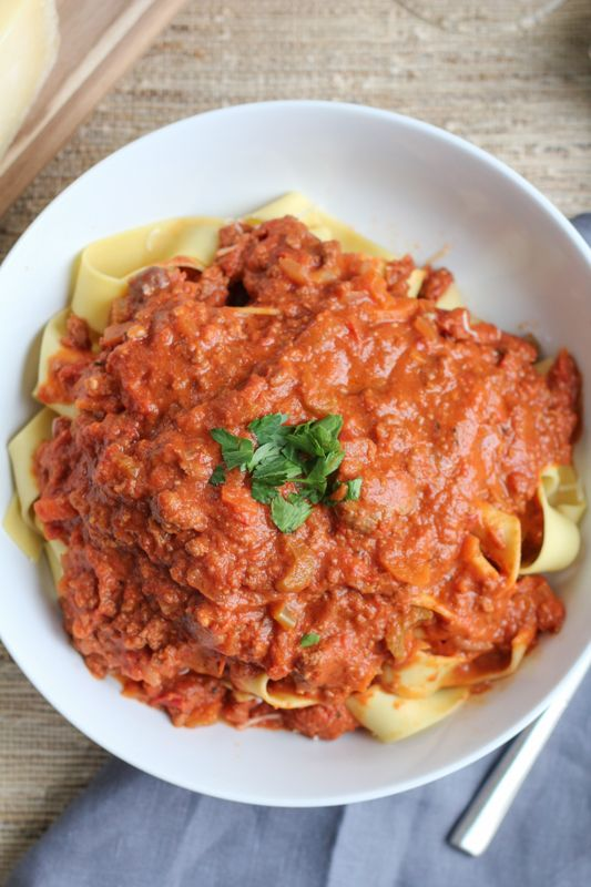 Slow Cooker Bolognese Sauce with Pappardelle #SundaySupper