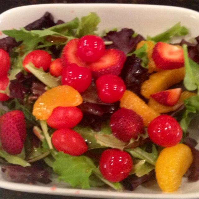 Fruit Salad Fresh Mix Lettuce Mandarin Oranges Strawberry Slices ...
