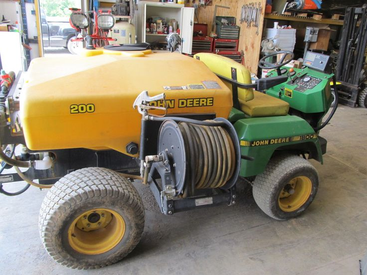 John Deere Pro Gator 1800 : Moved permanently