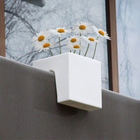 Modern planter for narrow balcon