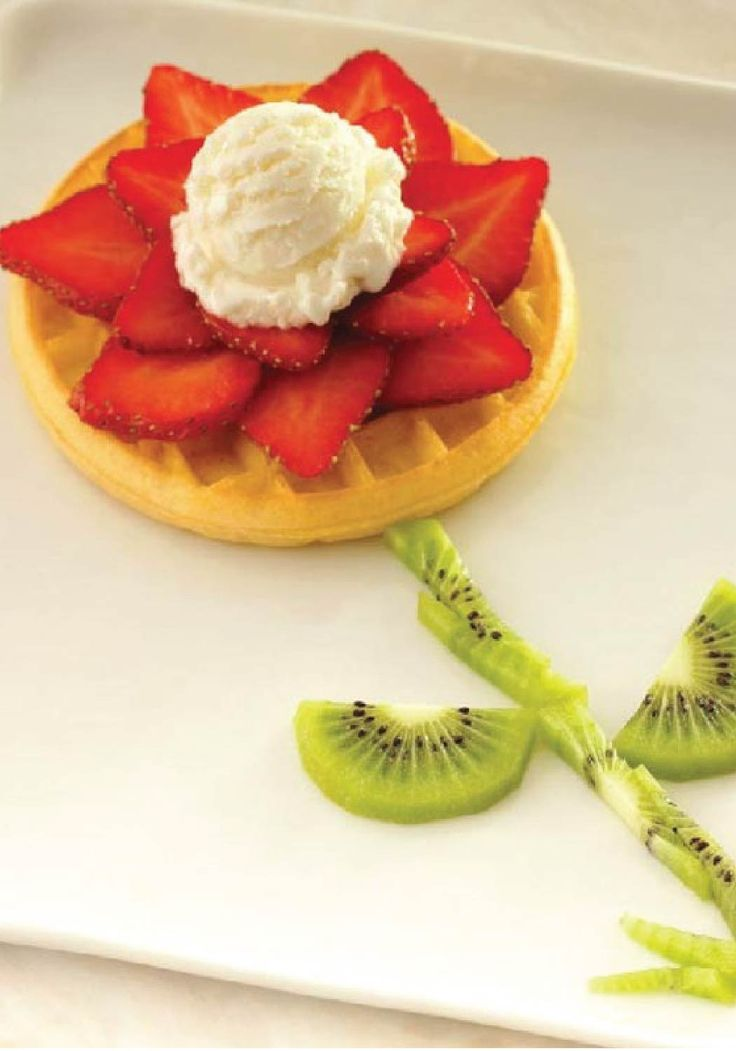 Eggo waffle blooming flower let your little artists shi for Creation cuisine