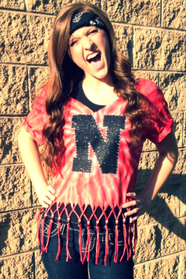Show Off Your School Pride With These Diy Fashions