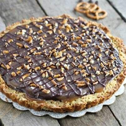 Chocolate caramel pretzel tart | Food | Pinterest
