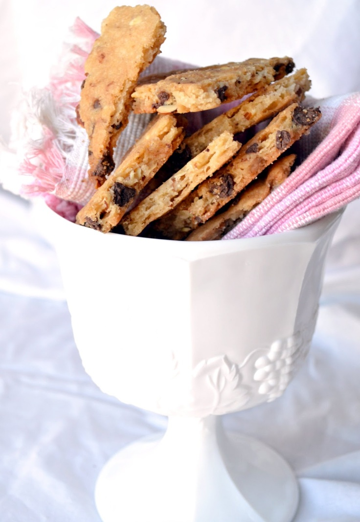 Chocolate Chip Cookie Brittle | The sweetest thing | Pinterest