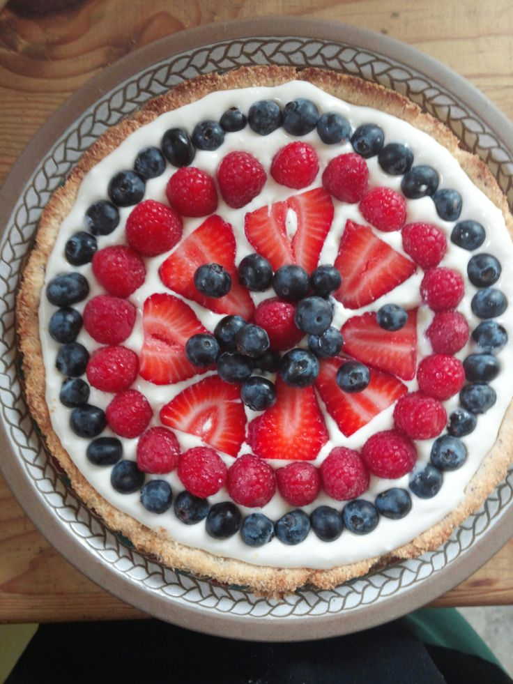Toasted coconut cheesecake berry tart! | Low Carb Desserts & Sweets ...