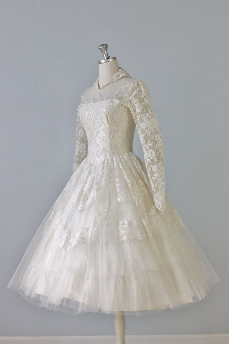 Vintage 1950s tea length wedding dress for the future for 1950 wedding dresses tea length