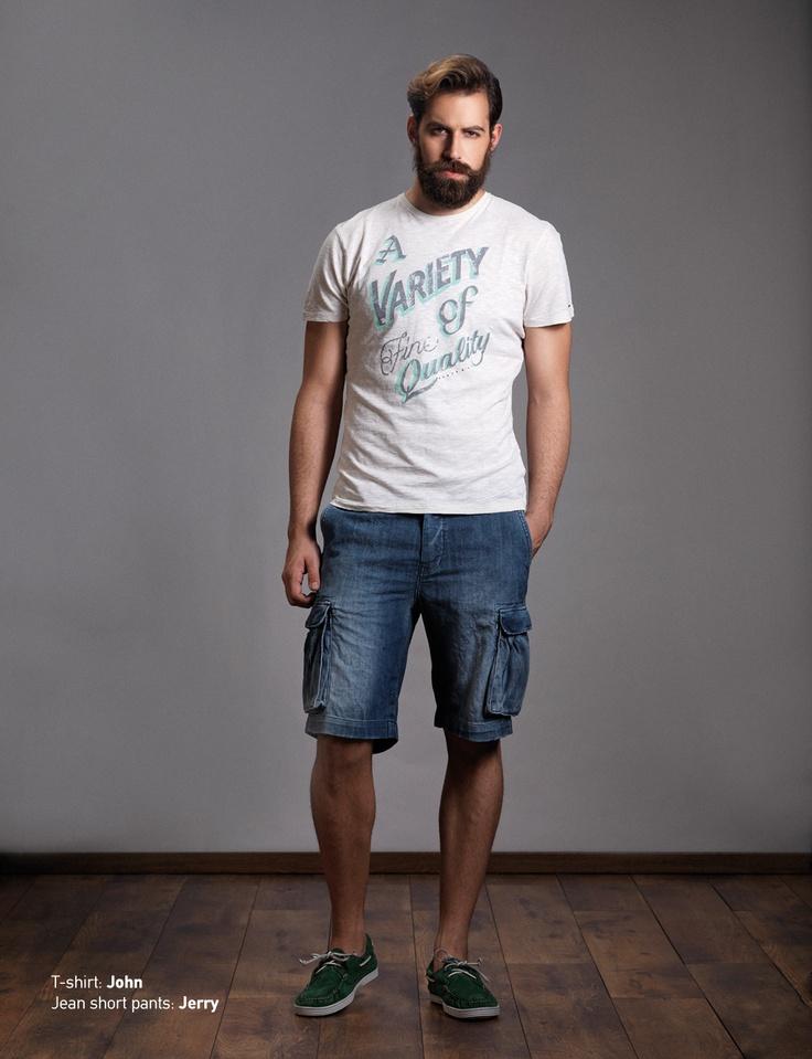 Tư vấn vài kiểu áo thun ngắn tay mix quần short với anh chị?
