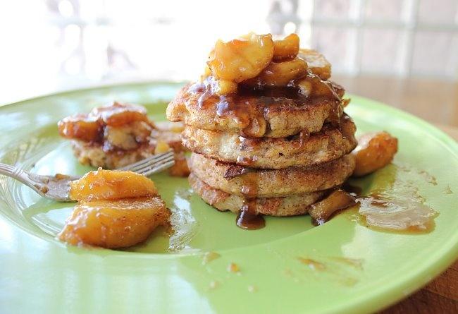 Canela French Toast Pancakes With Caramelized Bananas