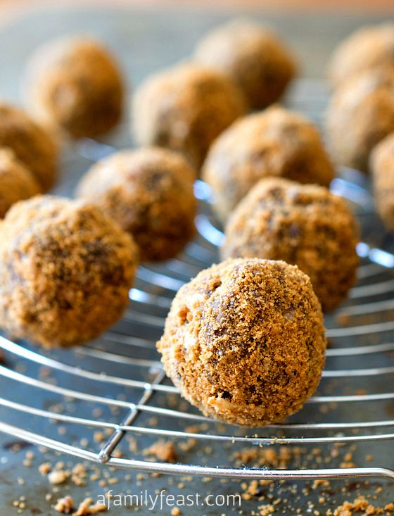 Chocolate Biscoff Truffles - Easy no-bake truffles made with chocolate ...