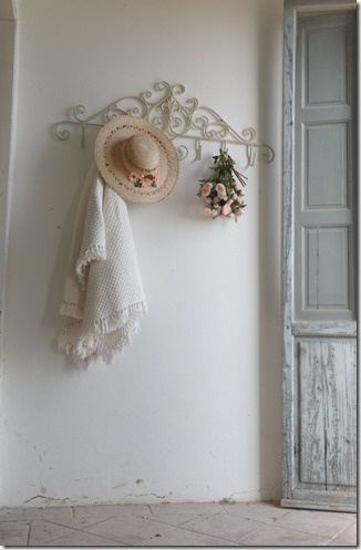 This is so simple...Shabby and Sweet...