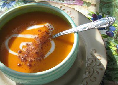 """: Carrot Apple Curry Soup Recipe -- """"SOUPER"""" easy, creamy vegan sou..."""
