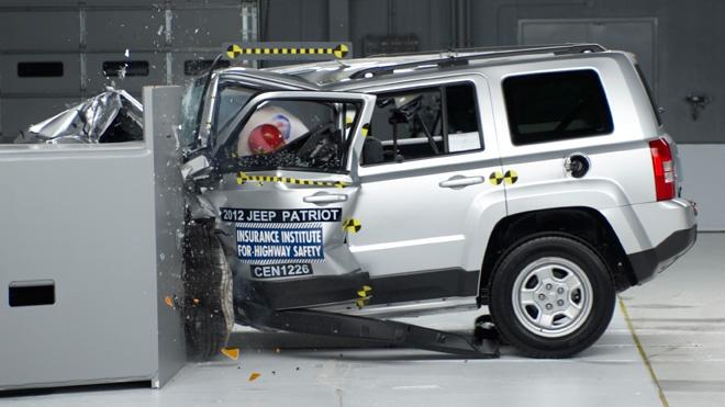 honda cr v crash test ratings 2011