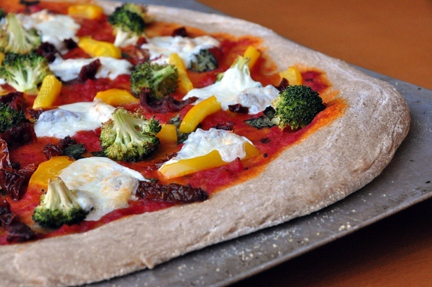 Healthy Recipe: Whole-Wheat Pizza With Sundried Tomatoes, Broccoli ...