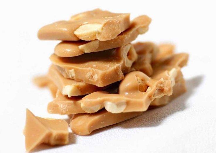 Old Fashioned Peanut Brittle Recipe - Peanut brittle is easy to make ...