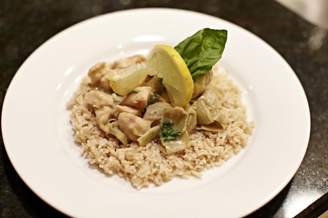 Chicken & Artichokes with white wine basil sauce! Sub the artichokes ...