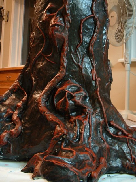Creepy haunted tree halloween props pinterest for Creepy trees for halloween