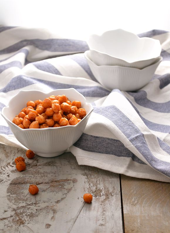 """Crispy spiced baked chickpeas (or, beer """"nuts!"""")"""