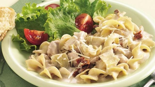 Slow-Cooker Chicken and Noodles Alfredo | Recipe