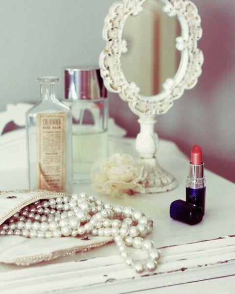 pearls + lipstick