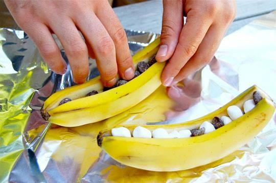 Campfire Banana Splits!~~ Ingredients: 6 large bananas, unpeeled ...