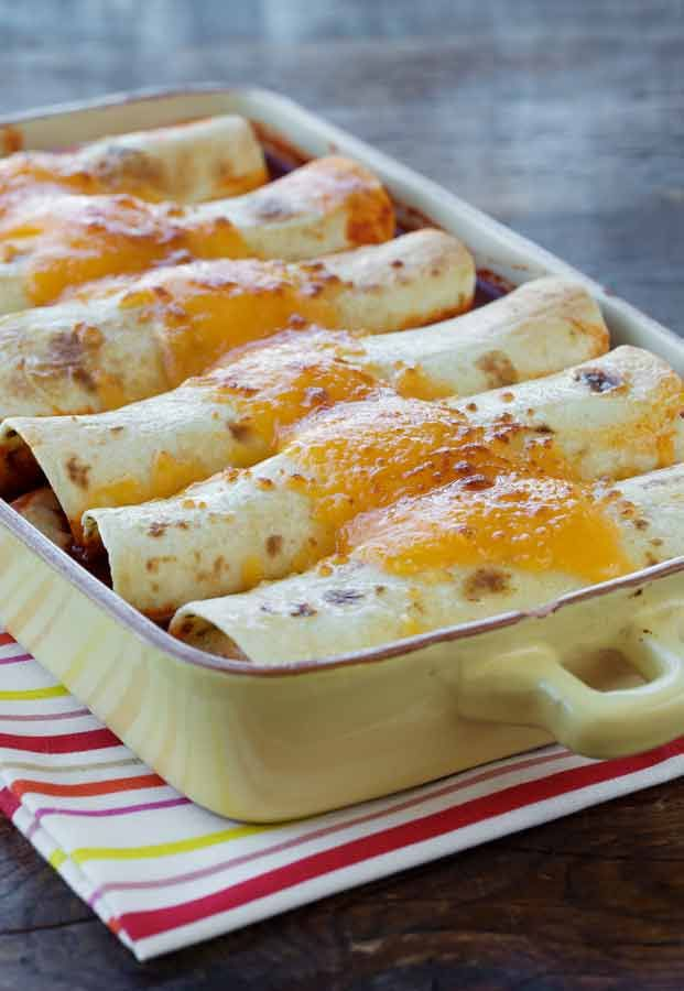 Green Chile Chicken Enchiladas with Ranch Dressing... Mom and I made ...