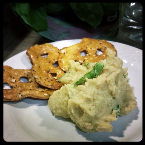 Homemade Lemon-Garlic Hummus | Sassy side dishes | Pinterest