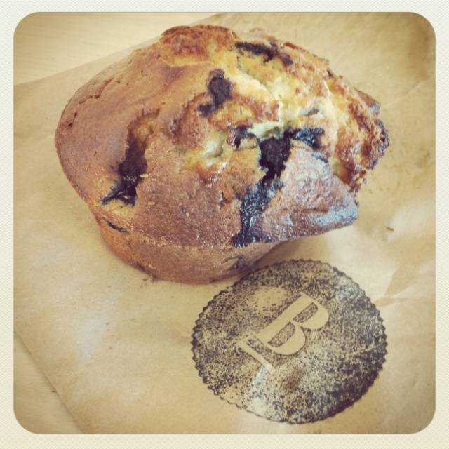 Blueberry & white chocolate muffin | Food that I love | Pinterest