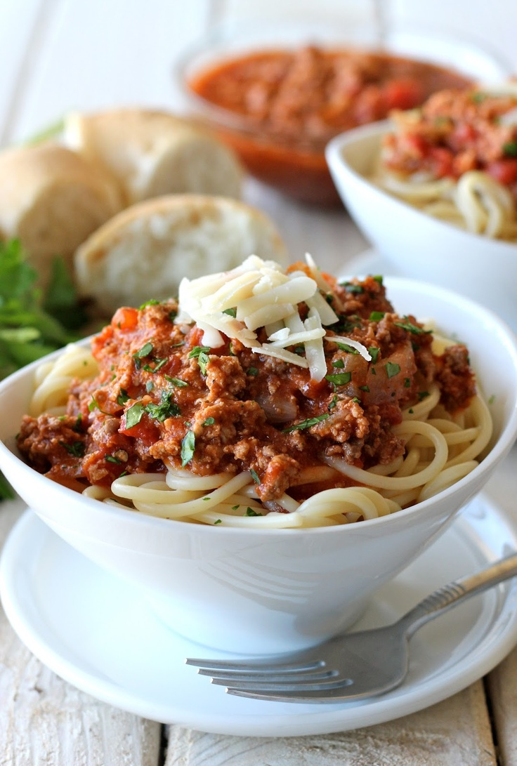 Bakeaholic Mama: Bolognese Sauce with Cloves and Cinnamon🍝