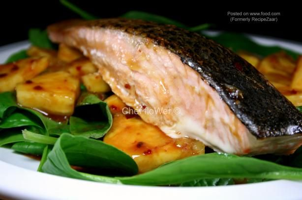 Jamika's Salmon With Pineapple Salsa. Photo by Chef floWer